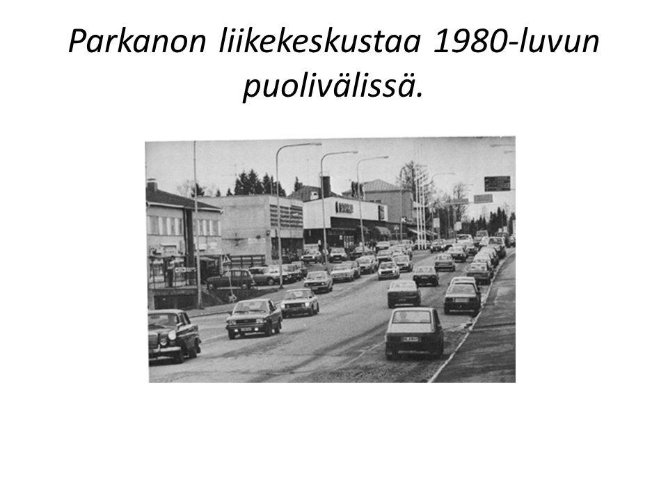 Parkanon liikekeskustaa 1980-luvun puolivälissä.