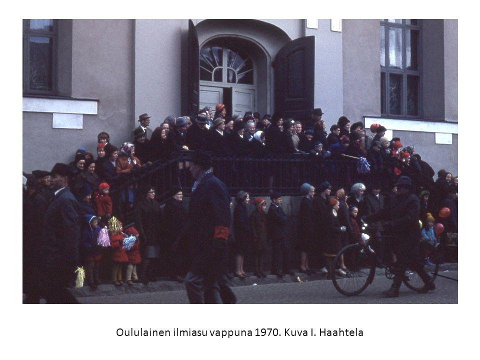 Oululainen ilmiasu vappuna 1970. Kuva I. Haahtela