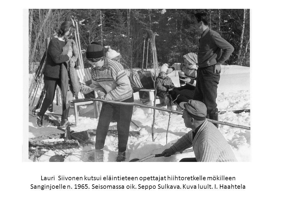 Lauri Siivonen kutsui eläintieteen opettajat hiihtoretkelle mökilleen Sanginjoelle n.